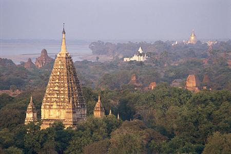 The spire of Maha Bhodi Temple