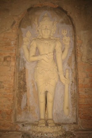 Image of Vishnu in Nat-Hlaung Kyaung temple, Bagan, Myanmar