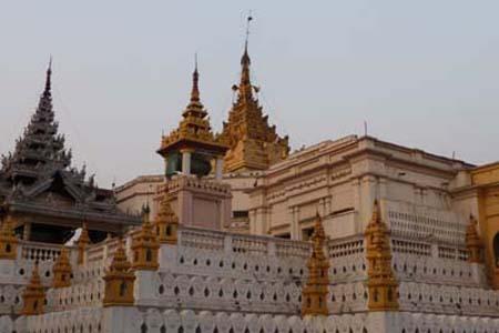 Setkyathiha Pagoda