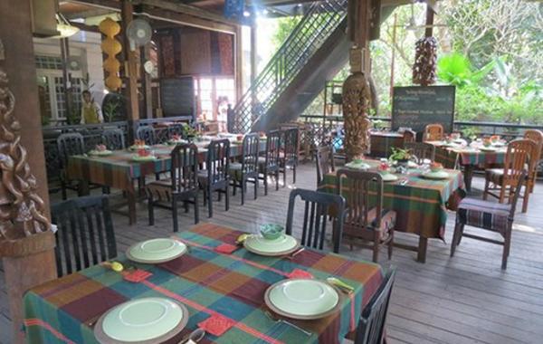 Green Elephant Restaurant in Yangon