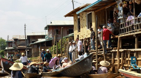 Inle Lake Shopping