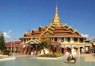 Phaung Daw Oo pagoda at Inle Lake