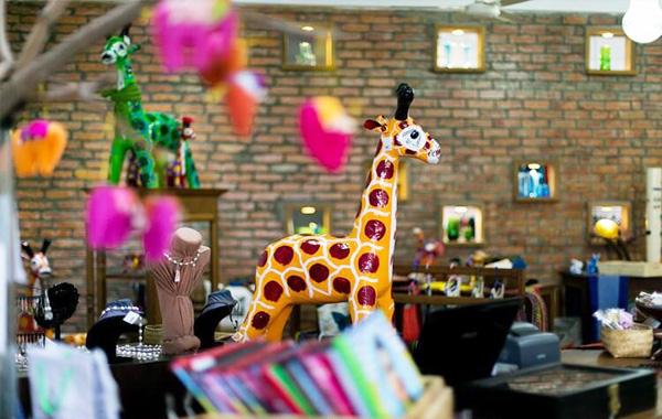 Shwe War Thein Handicrafts Shop