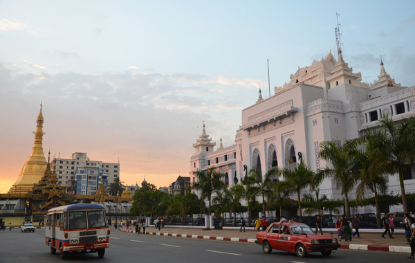 Sule Pagoda & City Hall, Yangon