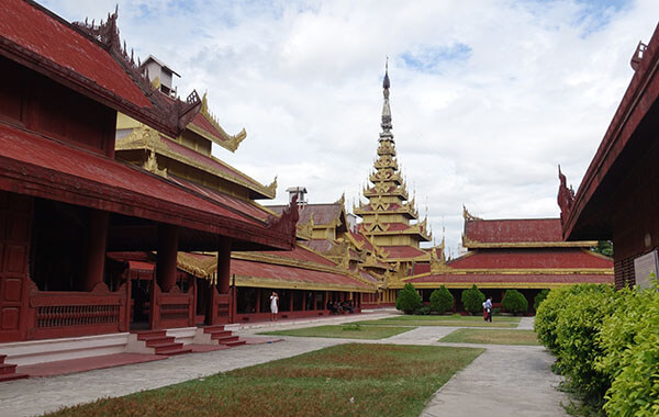 the architecture of Mandalay palace