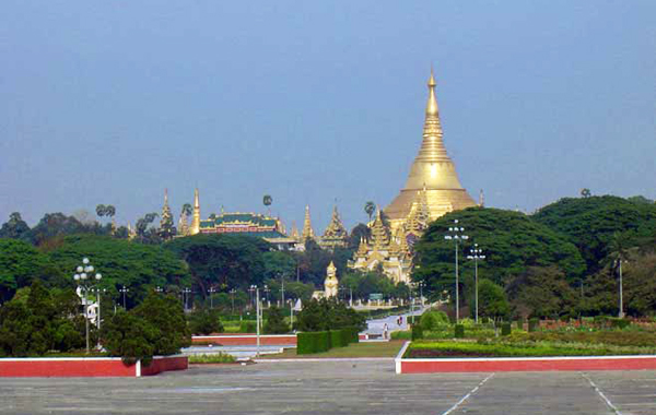 People's Square and Park in front of Shwedagon Pagoda