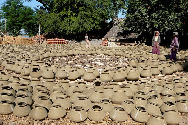 Yandabo village - home to the traditional clay pot making