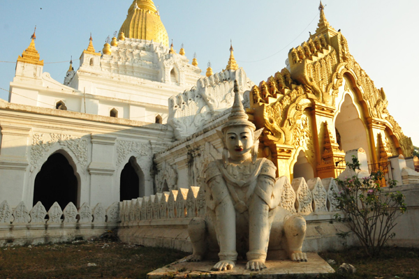 Kyauktawgyi Pagoda Mandalay Myanmar