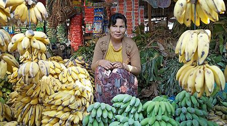 nyaung market visit in bagan tour package