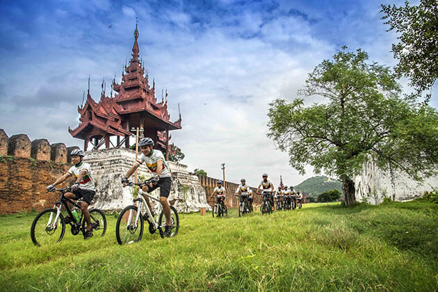 Mandalay bike tour
