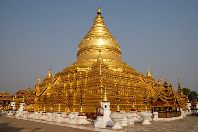 shwezigon pagoda is one of the most popular attractions in Bagan
