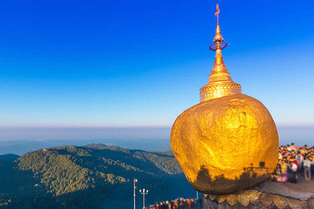 the Golden-Rock on Kyaikhtyio pagoda