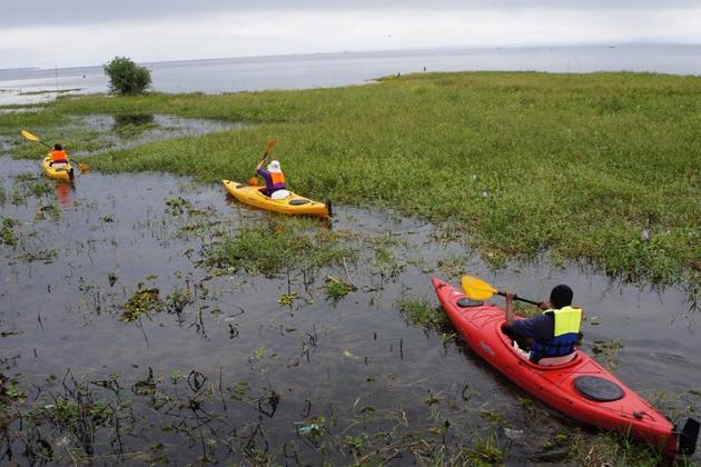Kayaking in Indawgyi Lake