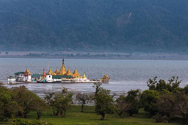 Shwe Myitzu Pagoda in Indawgyi Lake