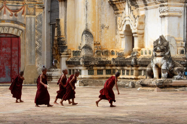 Bagan 2 day itinerary - Visit Little monks in Ananda Pagoda
