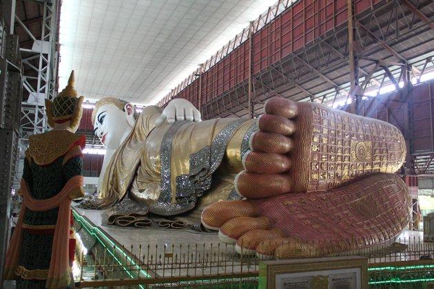 Reclining Buddha in Chauk Htat Gyi Pagoda