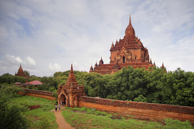 Majestic Htilominlo Temple - highlight of Ban 2 day itinerary