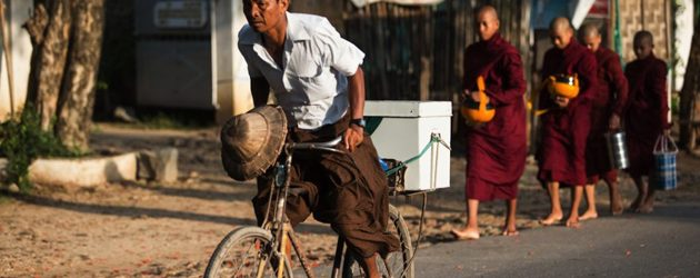 Myanmar - The Land of Longyi Rhythm in a Hurry