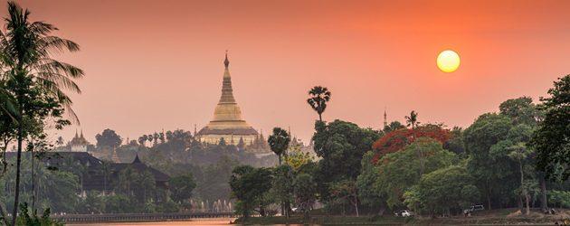 Sunset over Shwedagon Pagoda - view from Kandawgyi Lake