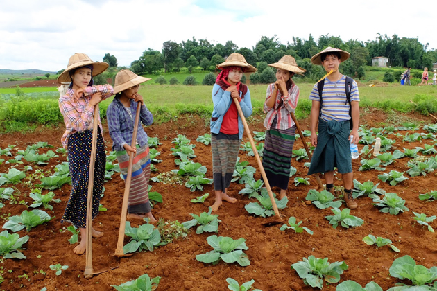 Trekking from Kalaw to Inle to see the cultural identity of Myanmar