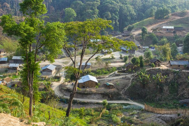 Akha (Akhu) Village is located at Hokyin Mountain