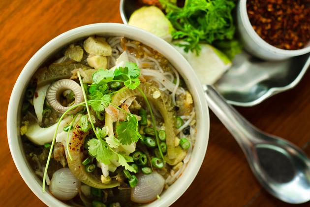 Myanmar street food - Mohinga