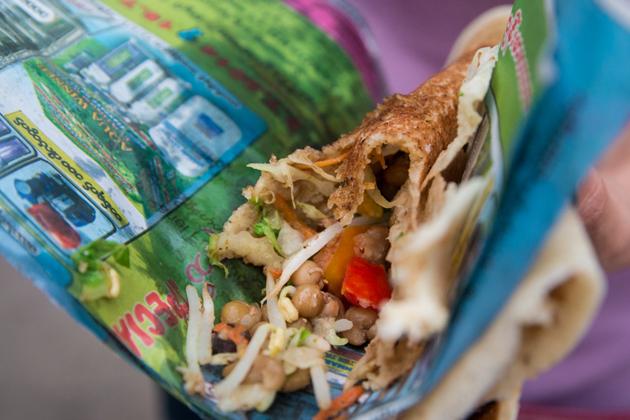 Myanmar street food - Dosa