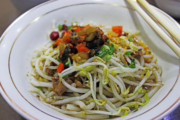 Myanmar street food - Shan noodle