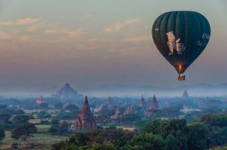Hot-air balloon in Myanmar