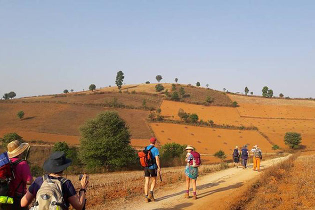 Inle Lake Trekking tour through the highland scenery