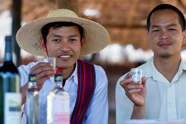 Sip on Tan-ye wine in Myanmar