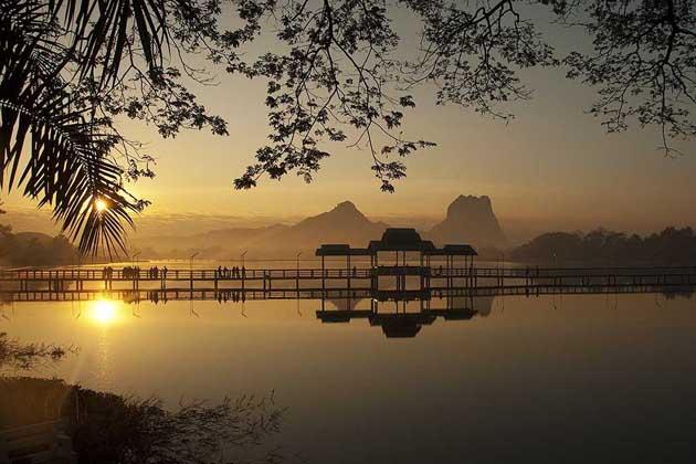 Sunset over Kan Thar Yar Lake Hpa An
