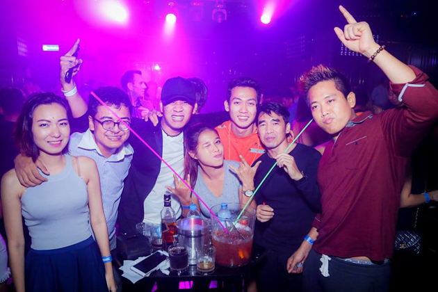 Bars and clubs in Yangon