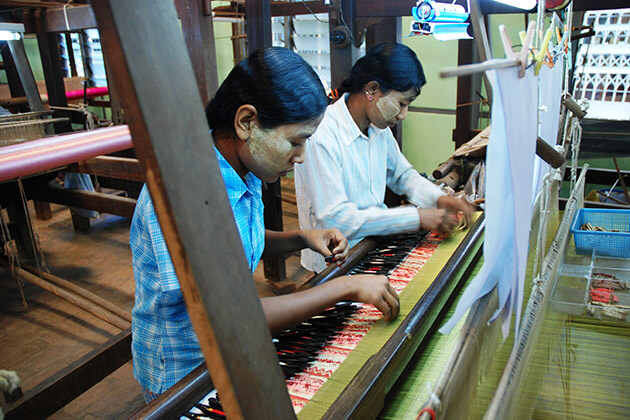 silk weaving workshop - highlight of Mandalay city tour