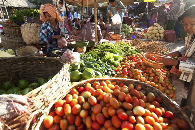 Hsipaw local market