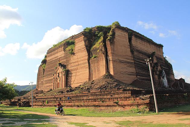 Mingun Paya in Mandalay trip to Mingun