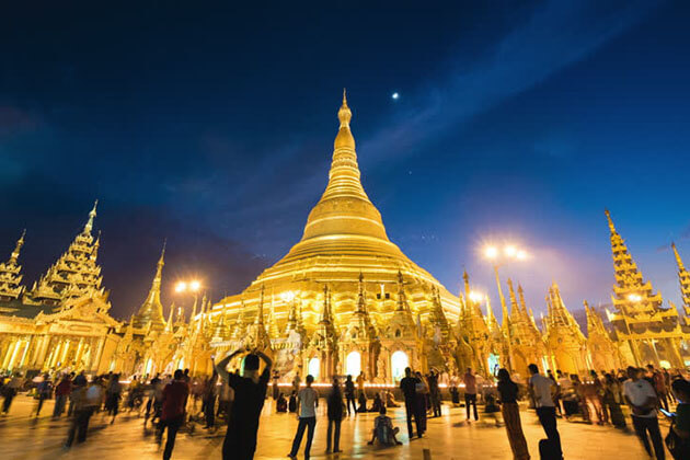 remark myanmar nightlife with a visit to Shwedagon pagoda