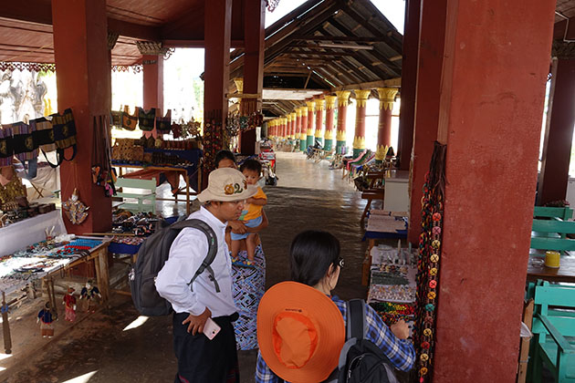 shop stalls in Indein Pagoda