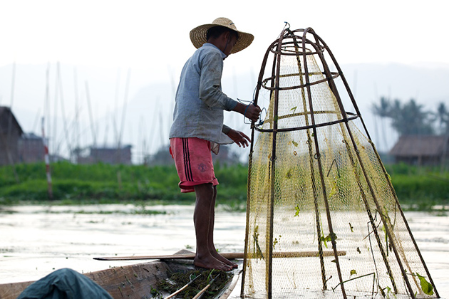 Inle Lake Leg Rower Fisherman