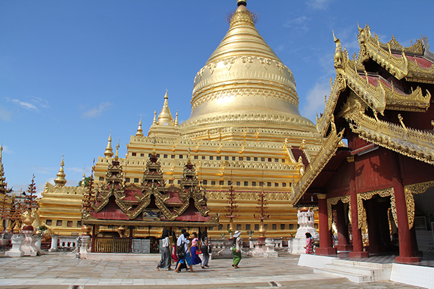 Shwezigon Pagoda in Bagan-Myanmar tour 7 days