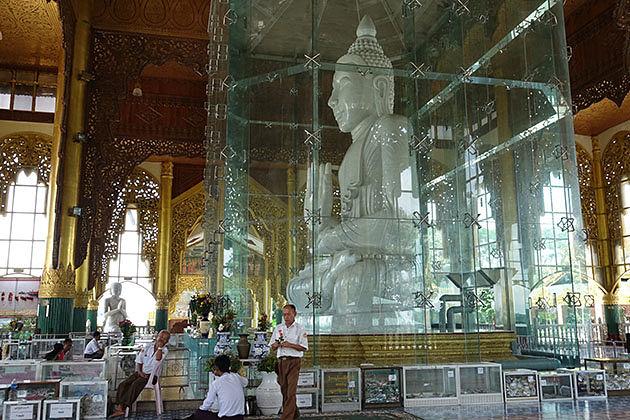 Loka Chantha Abhaya Laba Marble Buddha Image in Myanmar itinerary 8 days