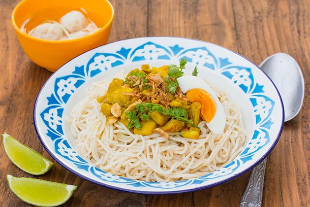 Mandalay Mont Di Food