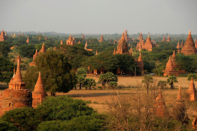 panoramic view to Bagan temples