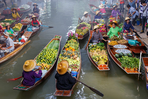 Damnoen Saduak floating market a highlight of Bangkok - myanmar thailand tour package