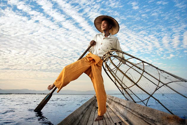 Leg rowing fisherman in Inle Lake