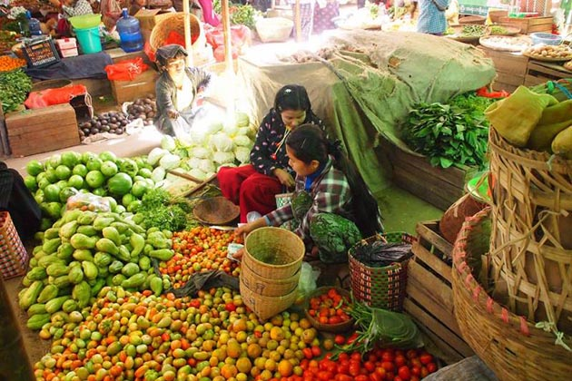 the vibrant Nyaung U Market in Bagan Myanmar