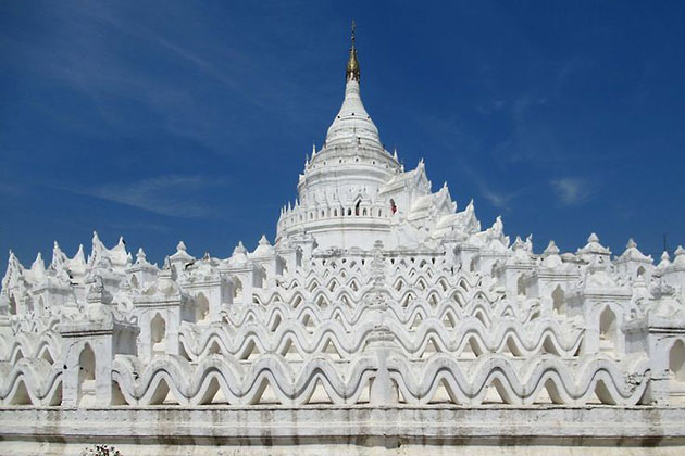 Hsinbyume Pagoda in Mingun