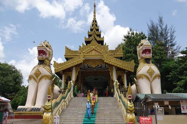 Kyauk-Taw-Gyi-Pagoda-in-Yangon