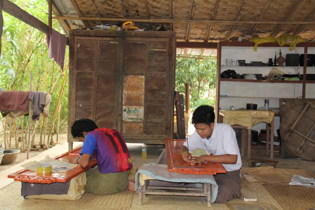 Lacquer workshop in Bagan