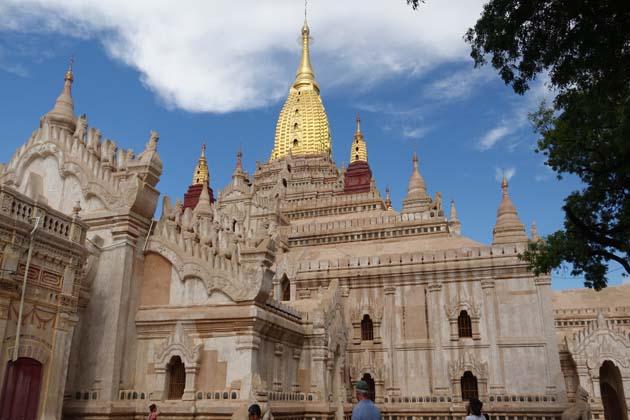 Mahamuni Buddha Temple in Bagan